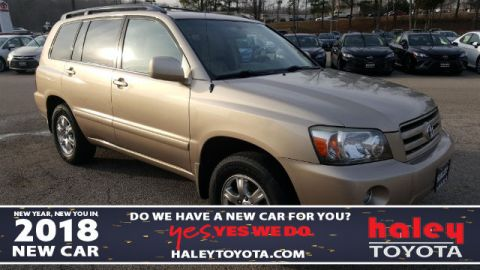 Pre-Owned 2004 Toyota Highlander  4 Door  AWD