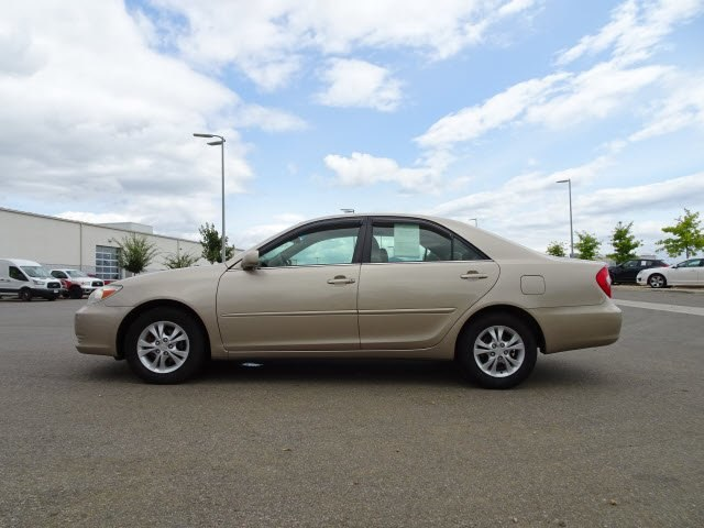 Pre Owned 2004 Toyota Camry LE V6