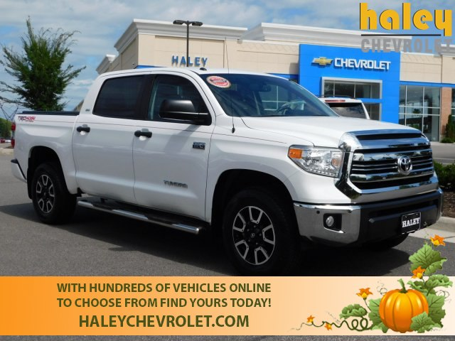 Wonderful Pre Owned 2017 Toyota Tundra SR5 5.7L V8