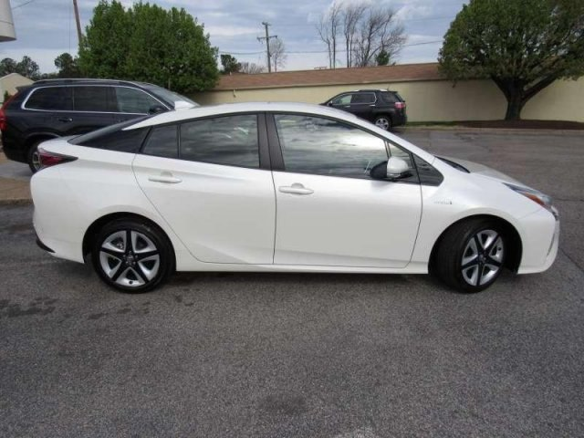 Pre Owned 2017 Toyota Prius Four Touring